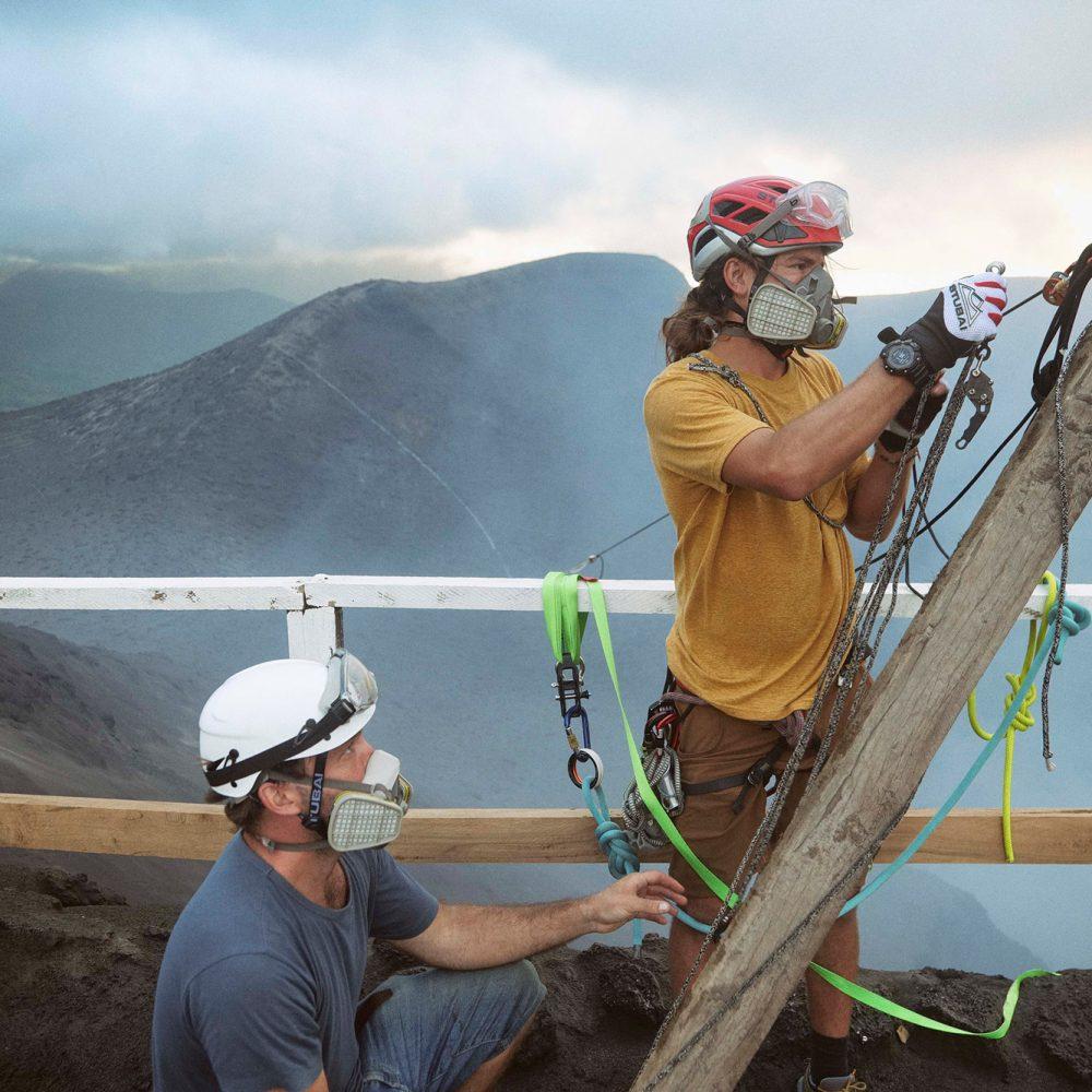 Lavaline-Highline-no-Vulcão-One-Inch-Dreams---Natural-Extremo---Rafael-Bridi-slackliner5